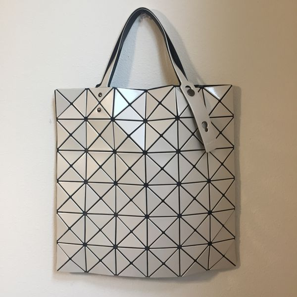 9a7819d3531a AUTHENTIC NEW BAOBAO ISSEY MIYAKE Lucent Tote Bag White for Sale in Renton