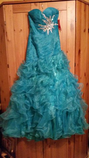 PARTY/PROM DRESS for Sale in Haymarket, VA