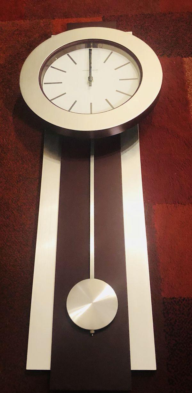 Beautiful Howard Miller Bergen 625 279 Quartz Wall Clock W Pendulum