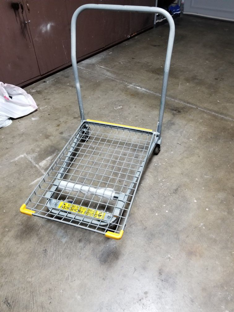 Very nice and sturdy rolling cart