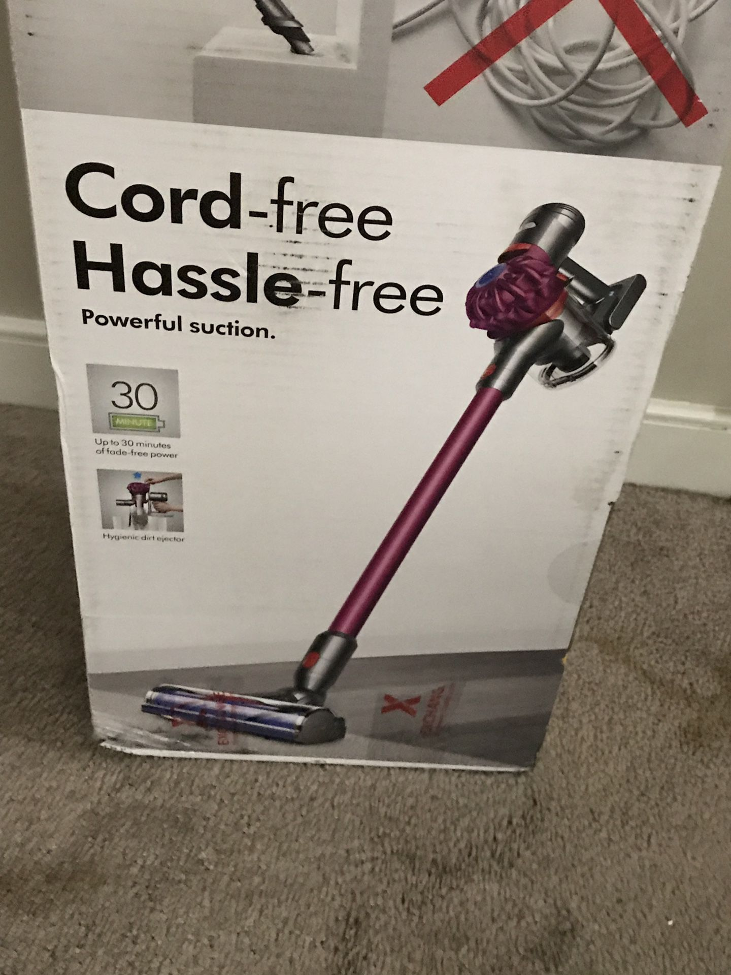 DYSON V7 MOTÖRHEAD VACUUM cord free and hassle free powerful suction