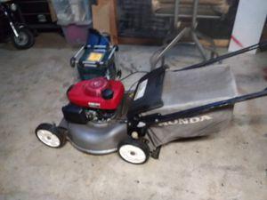 Photo A Honda smart drive lawn mower