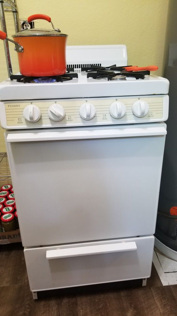 Small apartment size gas stove (Appliances) in Oklahoma City, OK ...