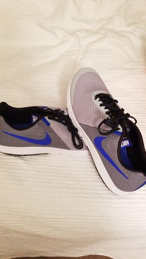 Mens Nike running shoes for Sale in Millersville, MD