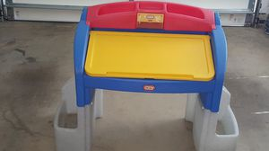 Little Tikes Childs Desk for Sale in Frederick, MD