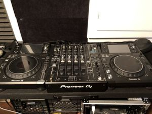 Entire Pioneer Dj rig (Djm900nxs2, Xdj1000mk2's + more) for Sale in Fairfax, VA
