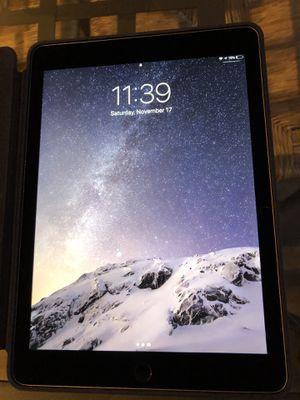 Apple iPad Air 2 w/Apple Smart Folio Case for Sale in Manassas Park, VA