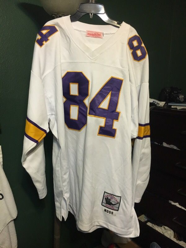 low priced ebf66 ddadf Randy moss Mitchell and ness Vikings jersey for Sale in Whittier, CA -  OfferUp