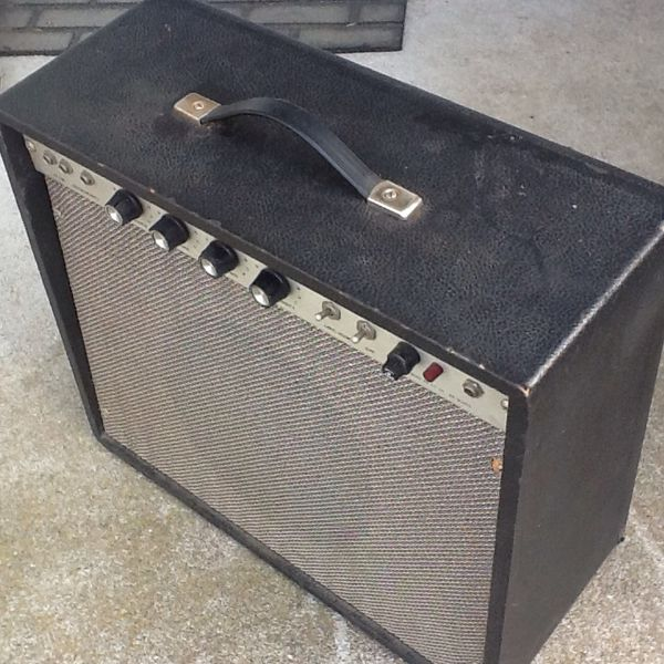 1960s vintage tube guitar amp unknown make good shape needs attention