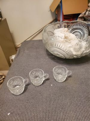 Photo Antique Crystal punch bowl