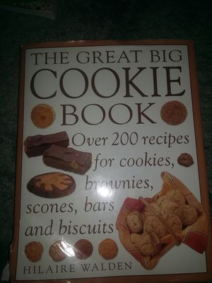 The great big cookie book. 255 colored thick pages. for Sale in WA, US