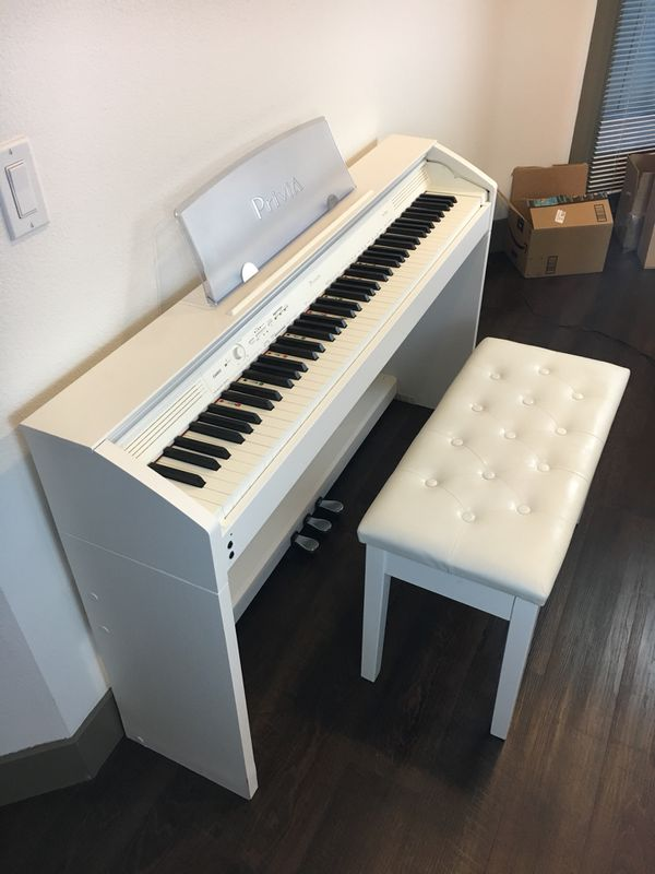 Beautiful Casio Privia PX-760 Digital Piano - Weighted Keys - White for  Sale in San Diego, CA - OfferUp