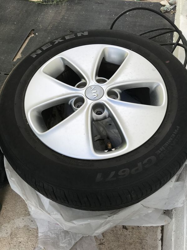 Set Of 4 Original Kia Soul 2016 Tires And Rims