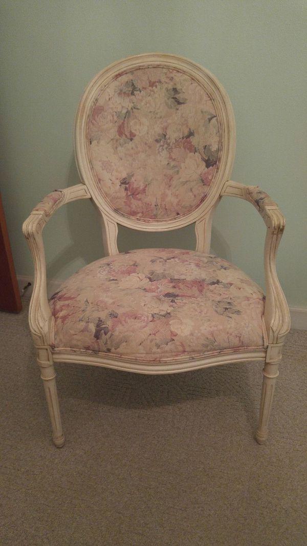 Magnificent Victorian Accent Chair For Sale In Baton Rouge La Offerup Creativecarmelina Interior Chair Design Creativecarmelinacom