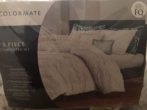 5 Piece comforter set for Sale in Annandale, VA