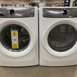 Electrolux washer and dryer set Thumbnail