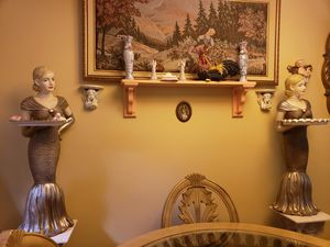 dos hermosas muñecas ala benta for Sale in Fort Washington, MD