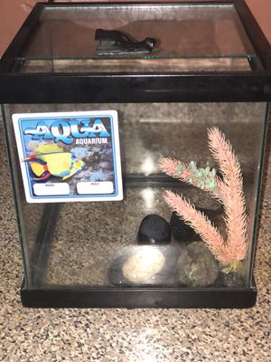 4 Gallons Fish Tank for Sale in Inglewood, CA