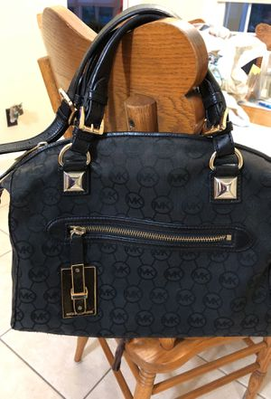 Michael Kors purse for Sale in Garner, NC