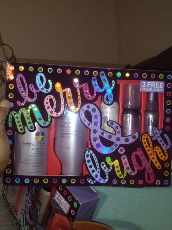 Pureology - sham,cond,three conditioning/styling products. 80$ for both gift boxes for Sale in Mesa, AZ - OfferUp