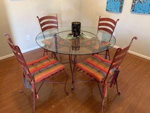 Photo Pier1 Wrought Iron 48 inch Glass Top Dining Table and 4 Chairs in Red