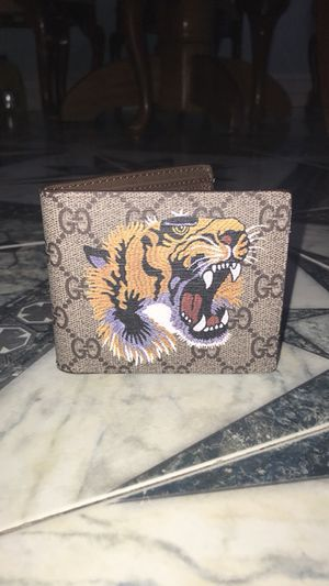 a1571c89927 New and Used Gucci wallet for Sale in Newburyport