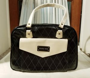 Mary kay Cosmetics makeup travel bag for Sale in Martinsburg, WV