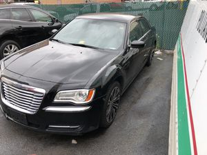 WARRANTY 2013 Chrysler 300 New Transmission Warranty 176,000 Highway miles Runs perfect No problems for Sale in Leesburg, VA