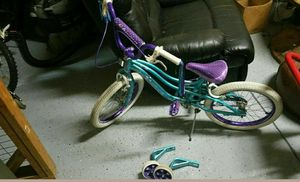 Kids Bike Mint Condition with Training wheels for Sale in Apex, NC
