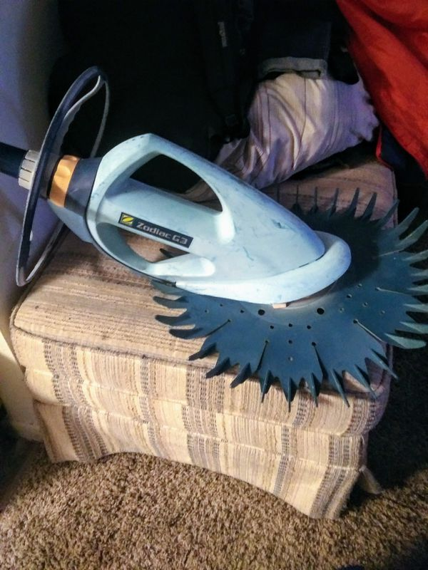 Zodiac G3 Suction Pool Cleaner In Great Condition And No
