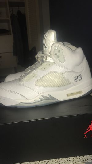 Air Jordan 5 white metallic size 12 in mens for Sale in Alexandria, VA