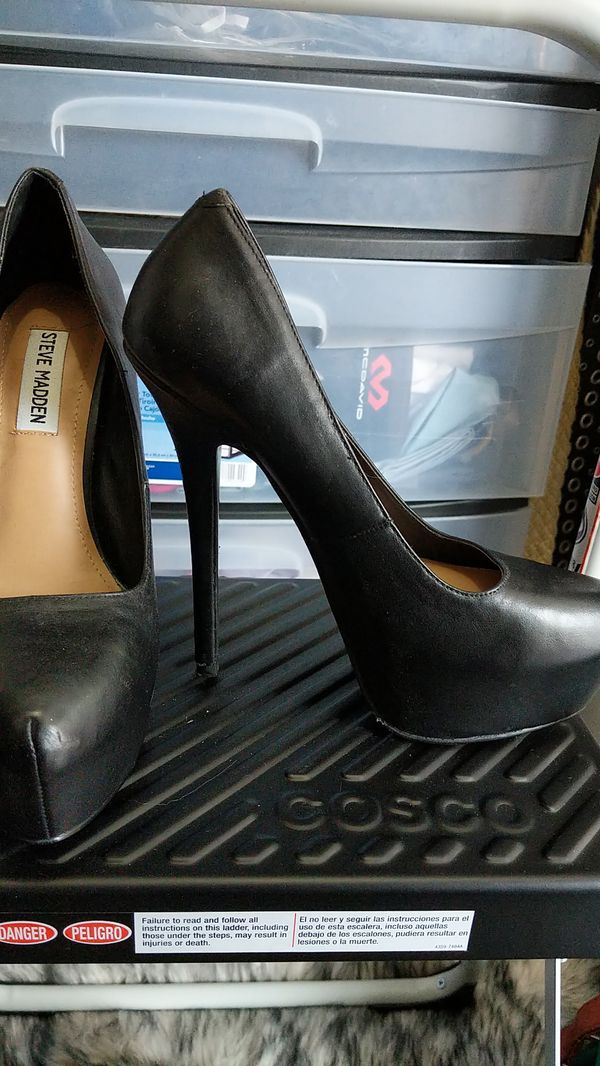 2f8adcf26e6 New and Used Black heels for Sale in Cerritos, CA - OfferUp