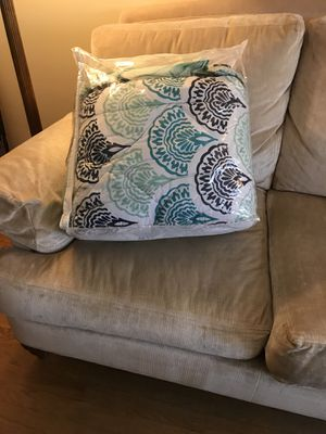 Barely used pottery barn comforter set for Sale in Fairfax, VA