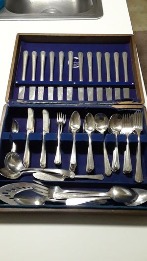 100 piece Community Sterling plate flatware set for Sale in Olympia, WA