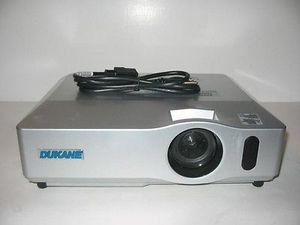 Hitachi indoor outdoor video home theater tv projector for Sale in San Diego, CA