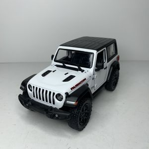 Photo NEW 2018 White Jeep Wrangler Rubicon 4x4 SUV Car Toy Diecast Metal Model