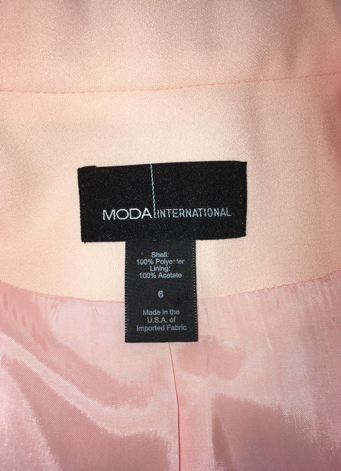 Moda International Suit