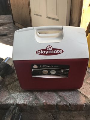 Cooler $8.00 for Sale in Los Angeles, CA