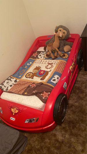Photo Lightning McQueen toddler bed