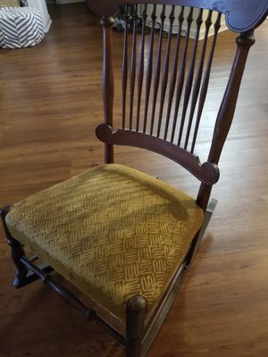 True Antique Rocking Chair from 1930 for Sale in Sanford, FL