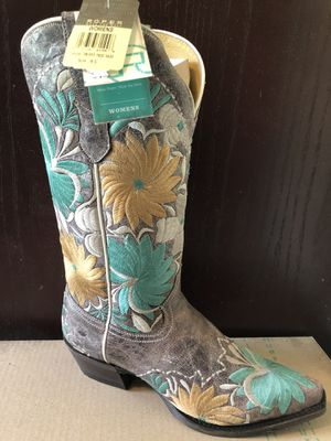 016ed77a2c Size 8.5 Yellow   Teal Embroidered Cowboy Boots for Sale in Colorado Springs