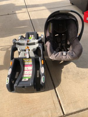 Chicco infant car seat for Sale in Youngsville, NC