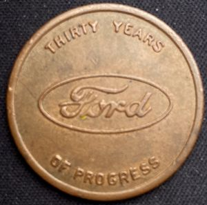 Photo 1903-1933 ~ FORD V8 30 YEARS OF PROGRESS TOKEN - Excellent Condition!