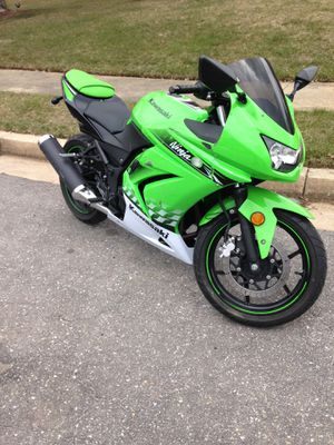 2010 Kawasaki ninja 250r need gone by the weekend for Sale in Silver Spring, MD
