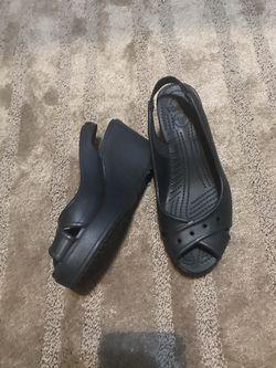 Crocs shoes Thumbnail
