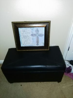 Black leather ottoman and picture for Sale in Gordonsville, VA