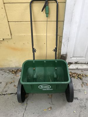 Scotts Accugreen 2000 for Sale in Tampa, FL