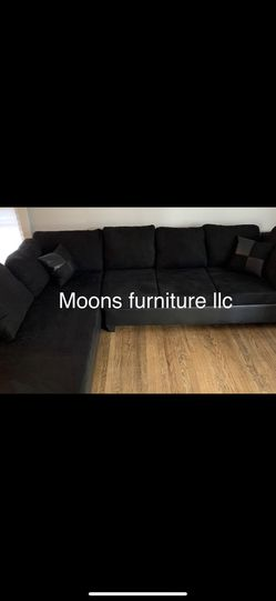 2328 Black Sectional With Ottoman  Thumbnail