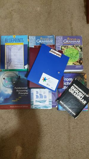 College Books + Binders and Clipboard BUNDLE for Sale in Nashville, TN