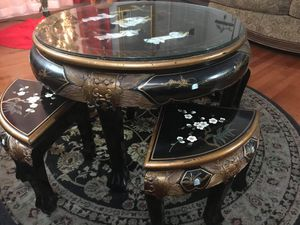 Coffee table with 4 stools for Sale in Annandale, VA